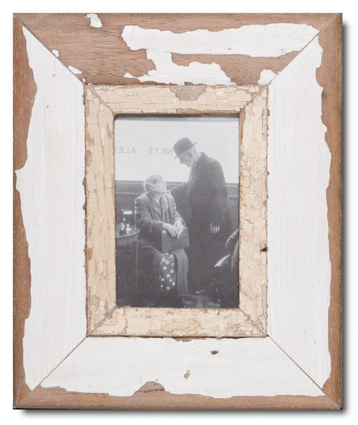 Bilderrahmen aus recyceltem Holz für Fotoformat DIN A6 aus Kapstadt