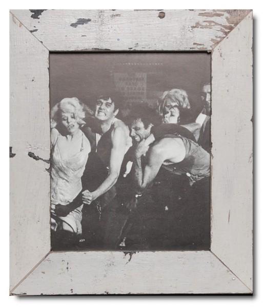Basic Bilderrahmen aus recyceltem Holz für Fotogröße 20 x 25 cm