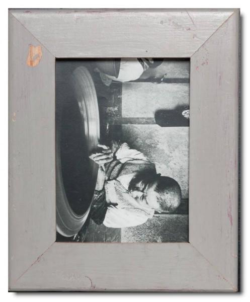 Basic Bilderrahmen aus recyceltem Holz für Fotogröße 15 x 20 cm aus Südafrika
